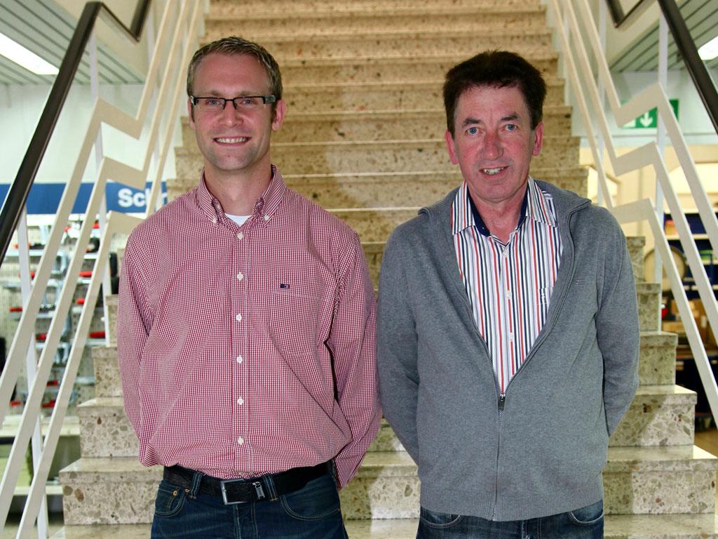 Feierten Dienstjubiläum: von links Andreas Nölkensmeier (10 Jahre) und Klaus Heinemann (40 Jahre)